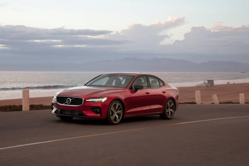 Η Volvo Cars θέλει όριο ταχύτητας 180 χλμ / ώρα σε όλα τα αυτοκίνητα για να τονίσει τους κινδύνους της ταχύτητας (photos & vid)