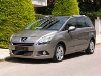 Peugeot 5008 PREMIUM PACK AUT PANORAMA 7-SEATS